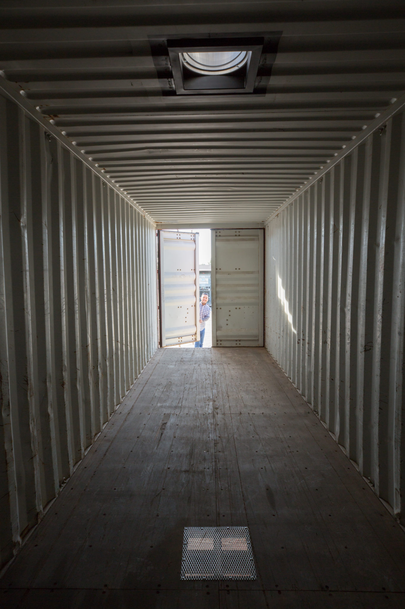 Climate controlled shipping container